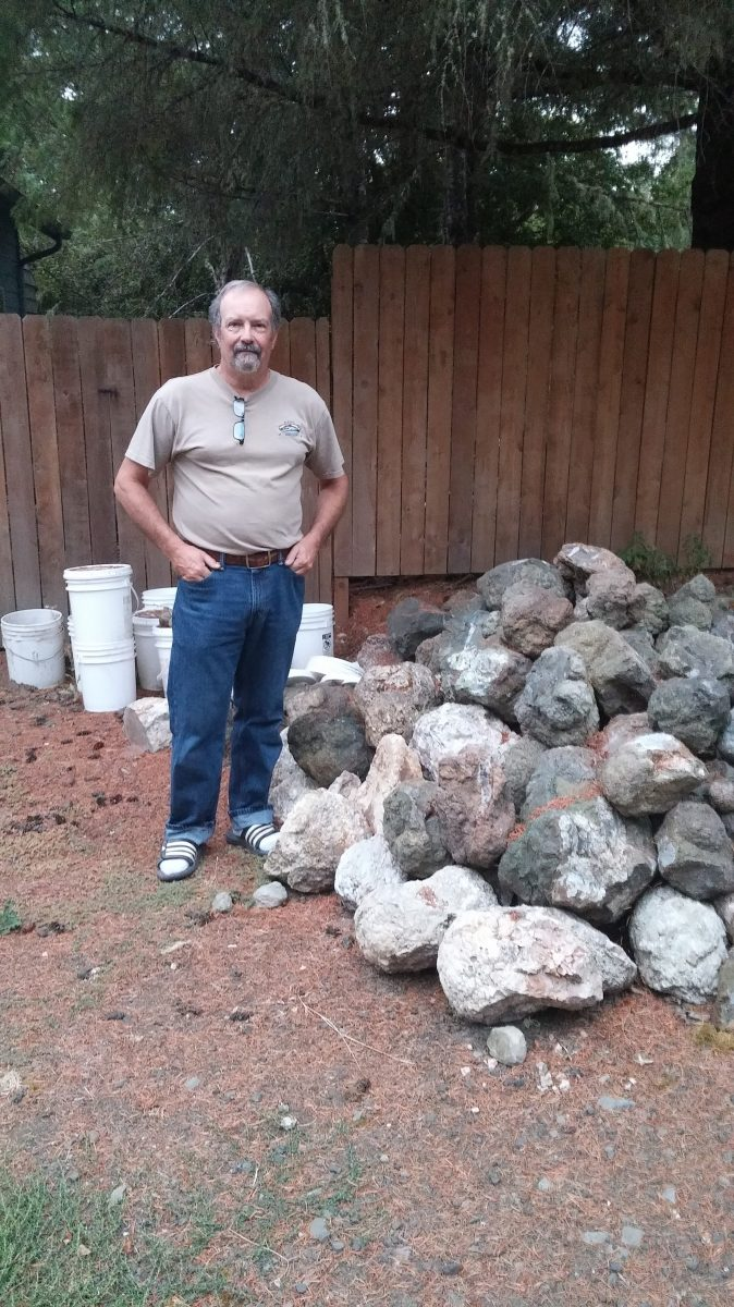 Thunderegg expert and lapidaru Joe VanCura